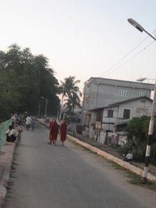 ミャンマーの隠れた観光スポット、モンユワ